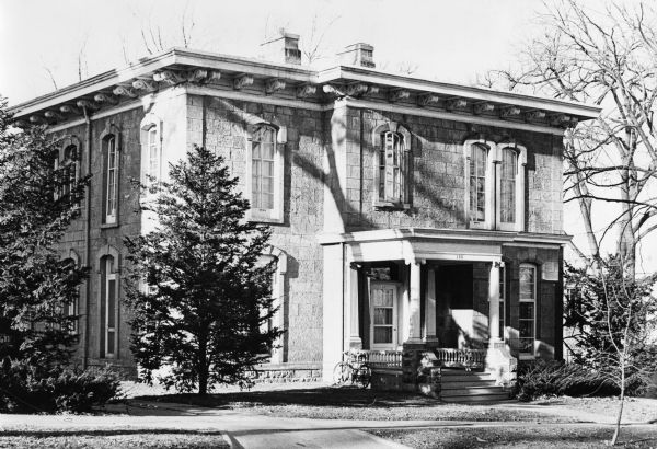 Photo of Wisconsin's Governor's Mansion in 1879